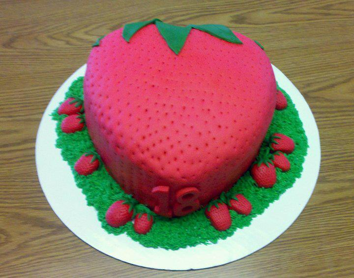 Cake Design With Strawberries : Cakes on Pinterest